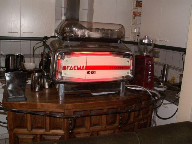 Máy pha cà phê Feama